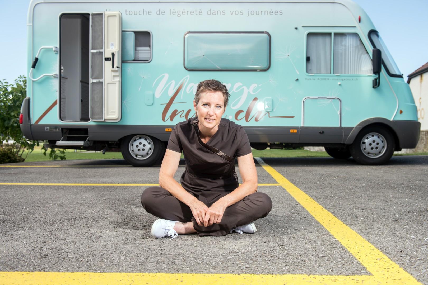 Valérie Jaquier et son massage Truck, Ependes, juillet 2020